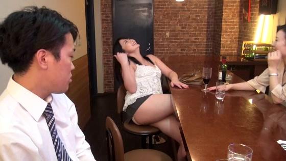 昼下がりの人妻カフェにふ...