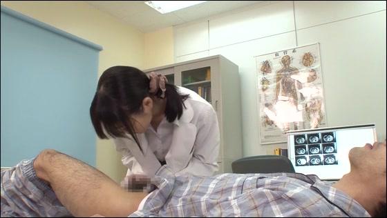 「仕事熱心な看護師/女医...